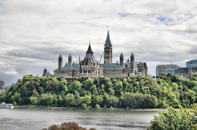 800px-Parliament_Hill_-_Ottawa.jpg.jpeg