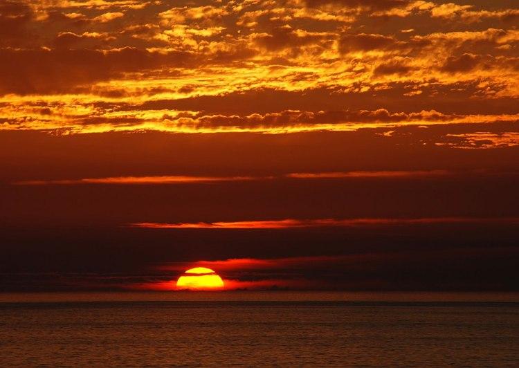 1024px-Sunset_2007-1
